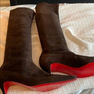 New in box Christian Louboutin brown suede boots